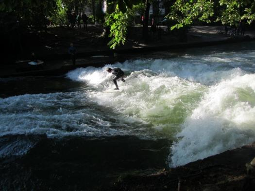 The river surfers of Munich