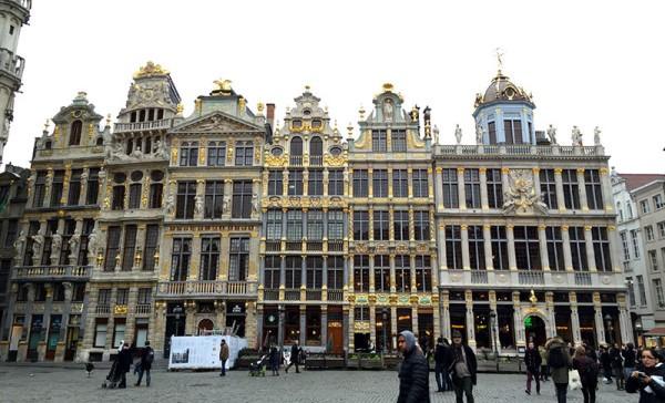 Belgique : la politique migratoire du gouvernement sous les tirs croisés de l'opposition et des ONG