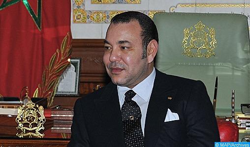 SM le Roi Mohammed VI a adressé un message de vœux et de félicitations au Président de la Fédération de Russie, M. Vladimir Poutine, à l'occasion de la fête nationale de son pays. Dans ce message, le Souverain exprime Ses chaleureuses félicitations et Ses sincères vœux de santé, de bonheur et de quiétude au président russe et de davantage de progrès et de prospérité au peuple russe ami. SM le Roi saisit cette occasion pour faire part de Sa satisfaction du développement soutenu que connaissent les relations de coopération fructueuse entre le Maroc et la Fédération de Russie, basées sur les liens d'amitié solide et l'estime mutuelle, réitérant Sa détermination à continuer à œuvrer de concert avec le président Poutine pour renforcer le partenariat stratégique multidimensionnel unissant les deux pays et le hisser à des niveaux supérieurs, au service des intérêts communs des deux peuples amis. Le Souverain réaffirme l'importance qu'accorde le Royaume du Maroc au renforcement de la concertation et de la coordination avec la Russie, tant au niveau bilatéral que multilatéral, pour contribuer à trouver des solutions efficaces aux problématiques internationales actuelles et soutenir les initiatives visant à renforcer la paix et la sécurité dans le monde et à consolider les ponts de communication et d'entente entre les différents peuples.