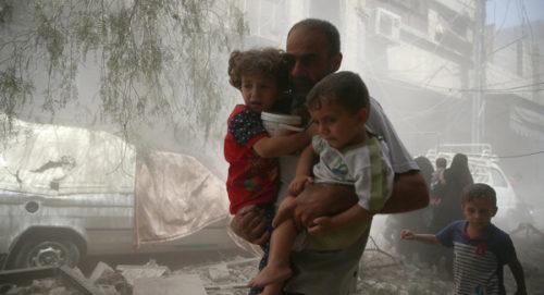 Les derniers insurgés dans la ville de Douma, ultime poche rebelle dans la Ghouta orientale près de Damas, ont rendu leurs armes lourdes, a indiqué jeudi l'Observatoire syrien des droits de l'Homme (OSDH). Selon l'Observatoire,