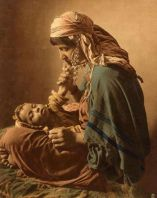 femme atlante avec son enfant 6