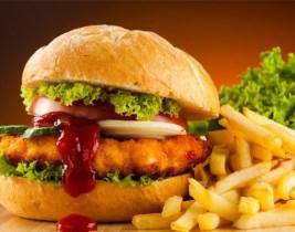 Menu Hamburger, Frites et Boisson au petit prix de 17dhs Chez Omar!