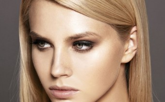 Offrez-vous des cheveux lisses et soyeux grâce un lissage brésilien à la Kératine.