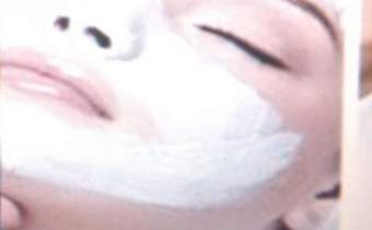 Un soin visage compléte + Un soin cheveux a' vapeur A»80 DH