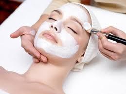 soin de visage spécifique avec des produits bio Modifier