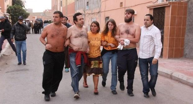 البوليساريو تستأجر أجانب لإثارة البلبلة بمدينة العيون ، والساكنة تستنكر أفعالهم الخادشة للحياء في الشارع العام