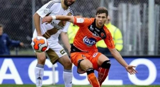 الرجاء البيضاوي تتنافس لضم لاعب تونسي من ايطاليا