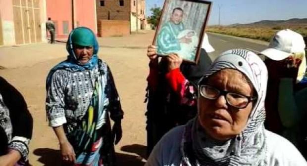 نساء من إزيلف الراشيدية يطالبن بخدمة نقل قروية معقولة