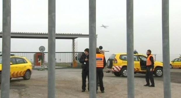 تفجيرات مطار بروكسيل الدولي انفجار عبوتين في بلجيكا وانباء عن هجوم مسلح بمطة ميترو مالديك