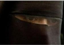 مهاجر مغربي متشبع بالفكر الداعشي يجبر زوجته على ارتداء الحجاب