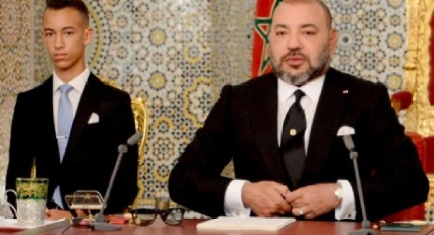 خطاب العرش يقرّع الإدارة العمومية ويشيد بالمؤسسة الأمنية