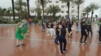 فيديو2 : فرقة رقصة ليتوانية في عرض بشاطىء اكادير مارس 2018