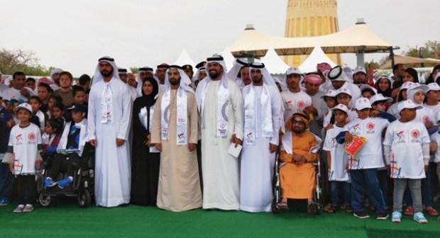 """حسين الجسمي يشارك بالمسيرة الإنسانية """"نمشي معاً"""" للأولمبياد الخاص في رأس الخيمة"""