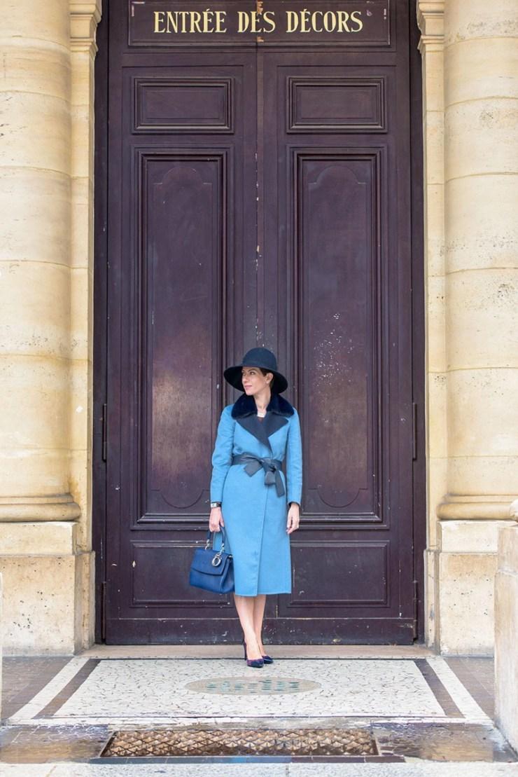 Retro Chic devant la Comédie Française