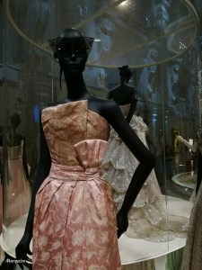 robe dior exposition paris