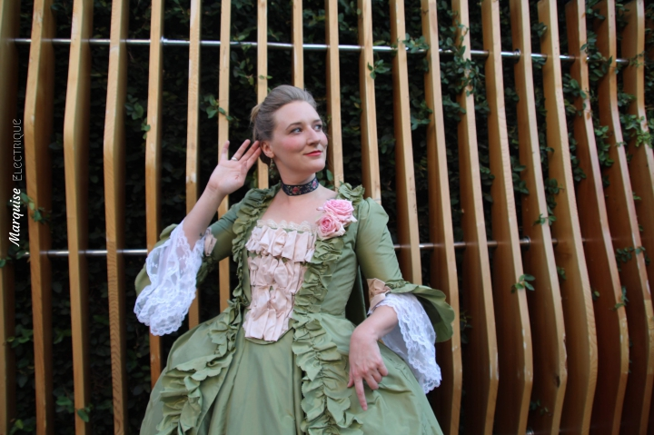 sewing-costume-college