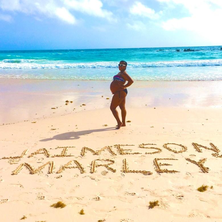 Bermuda Babymoon_Preggers Beach Pic