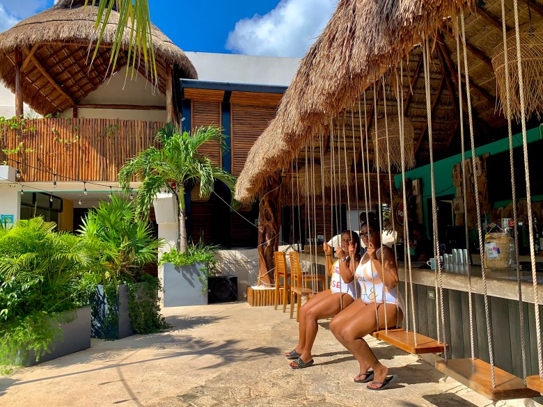 Luxury Hostel_Outdoor Bar