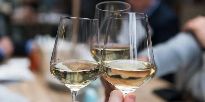date night ideas - wine tasting