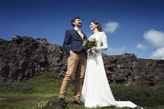 Marriage in Thingvellir in Iceland