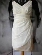 Brautkleid aus Chiffon, mit Handbestickung
