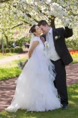 Brautkleid aus Spitze und Seidenorganza