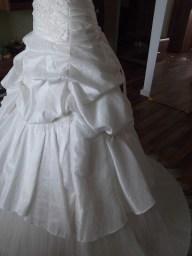 Brautkleid aus Taft