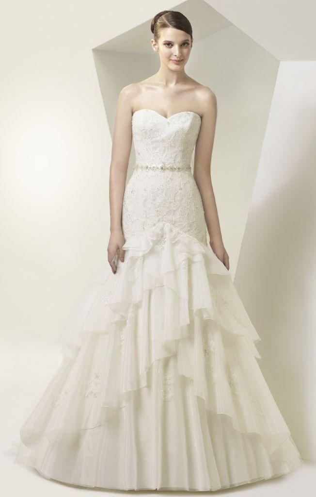 Brautkleid mit Rüschen von Enzoani