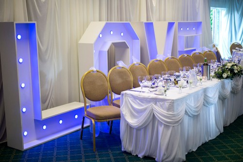 WEB - Highgate House Wedding - Top Table Love Sign