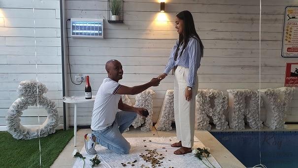 יצחק ואורית הצעת נישואין בצימר בצפון(6.5.21)00085