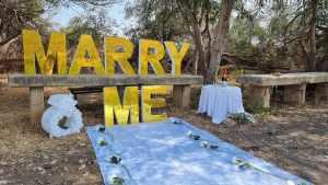 אותיות מרי מי MARRY ME מראה זהב 1