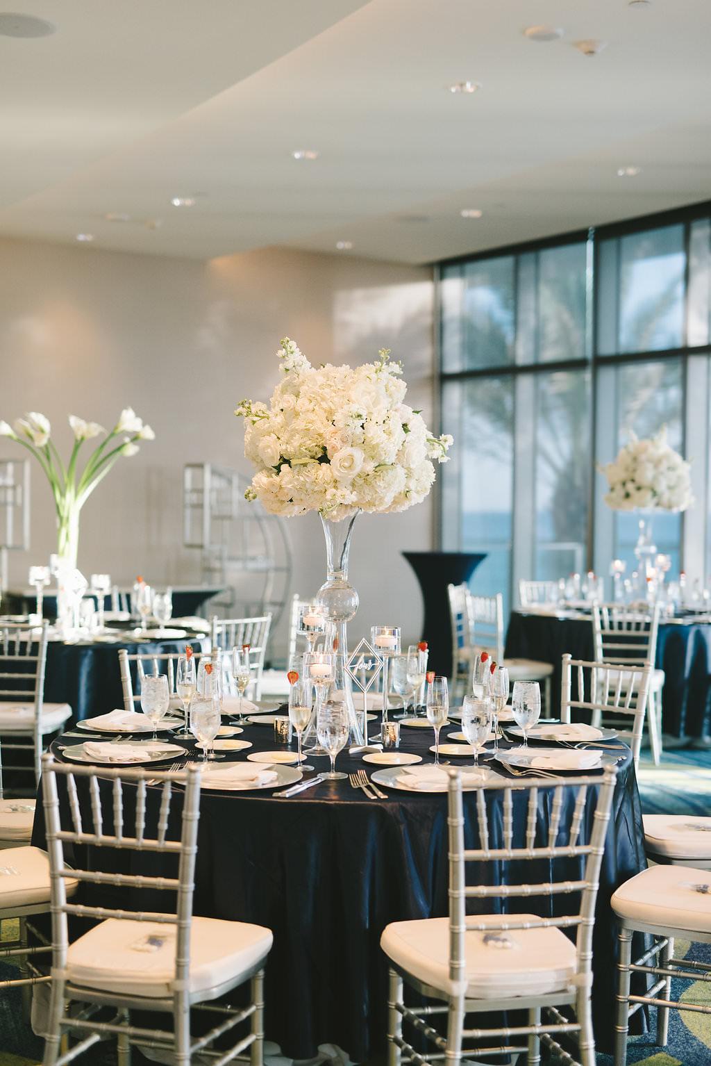 Ballroom Modern Elegant Wedding Reception Decor, Round ...