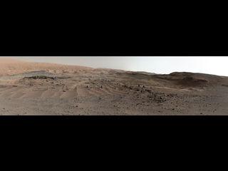 Imagen de la vista del Curiosity Rover de la fascinante geología marciana que se avecina