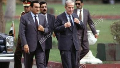 Photo of حسني مبارك يكشف أن حافظ الأسد هو سبب ضياع الجولان