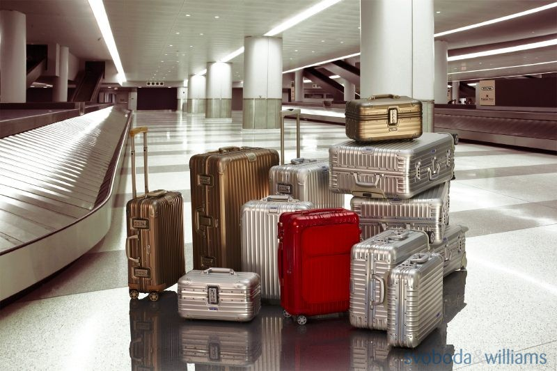 136512-14-rimowa-luxury-travel-accessories-in-prague