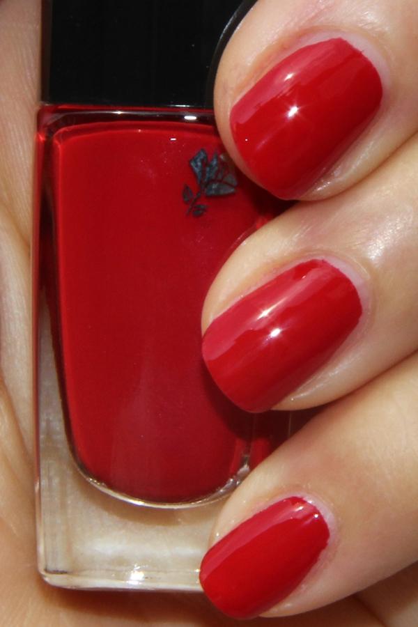 coquelicot nails