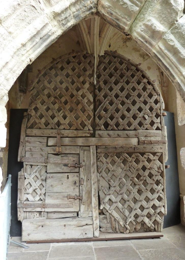 Latticework_door,_Chepstow_castle