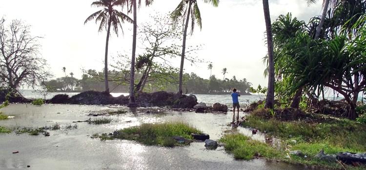 Guam warns of tidal flooding
