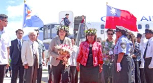 Taiwan President Tsai Ing-wen was welcomed to Majuro Monday by President Hilda Heine, a police honor guard, and a large turnout of VIPs and local students. Photo: Hilary Hosia.