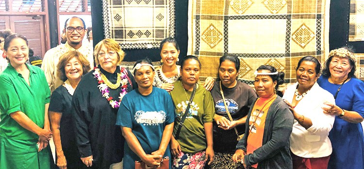 Jaki-ed auction at Bishop Museum in HI