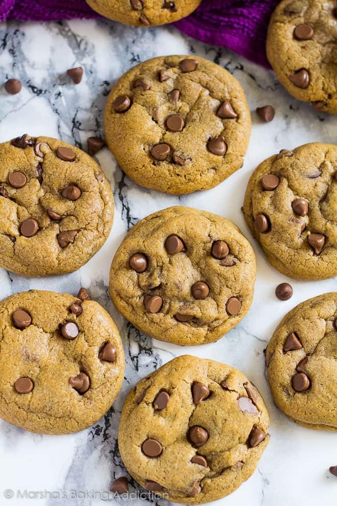 Chocolate Chip Pumpkin Cookies | marshasbakingaddiction.com @marshasbakeblog