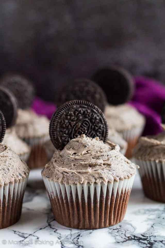 Chocolate Oreo Cupcakes   marshasbakingaddiction.com @marshasbakeblog