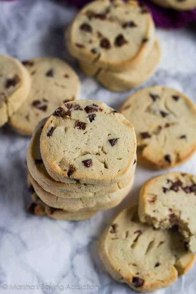 Chocolate Chip Slice 'n' Bake Cookies | marshasbakingaddiction.com @marshasbakeblog