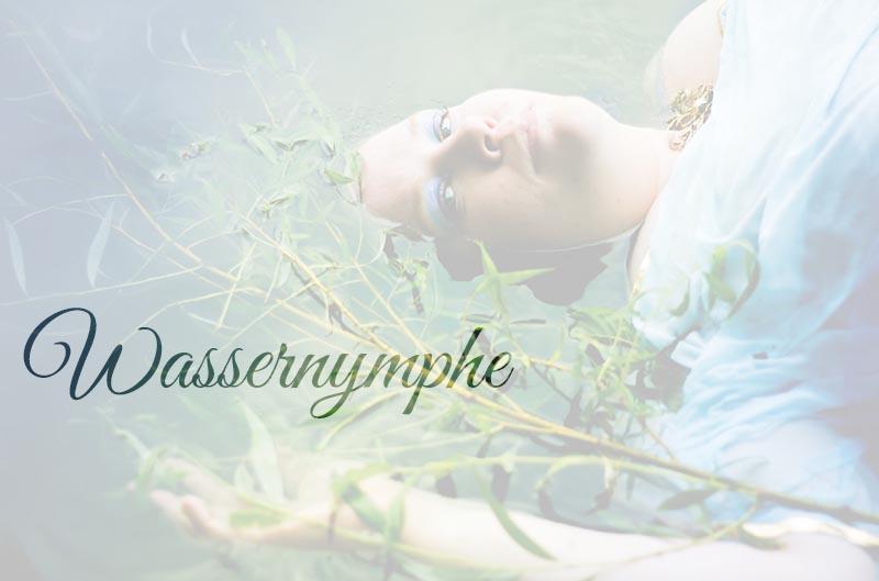 Wassernymphe (Plus-Size-Fotografie)