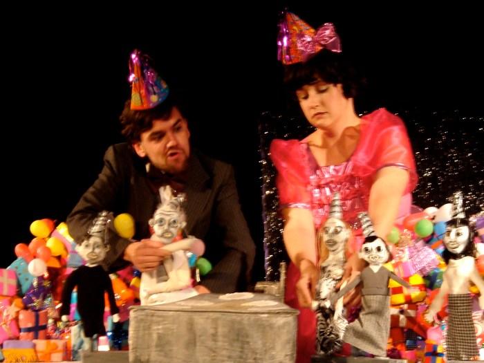 Joel Egger + Jackie Kay Knox, Growing Up Linda, 2007