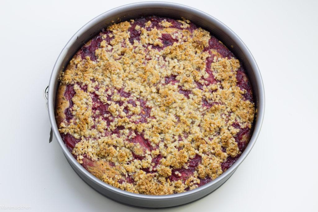 Rhabarberkuchen mit Ricotta-Chia-Boden