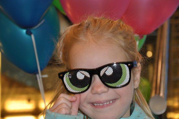 Iedereen kreeg een stoere Powerpuff zonnebril.