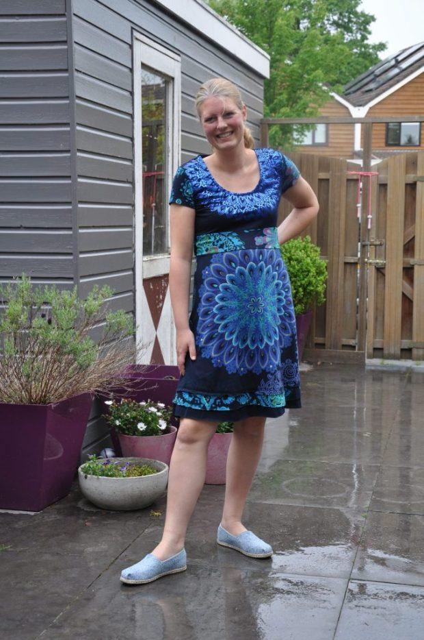 Even showen! Matching met het blauwe jurkje van Desigual.