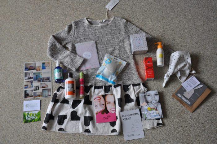 Zoals jullie zien was de goodiebag goed gevuld! En hoe vinden jullie het met korting geshopte jurkje? Mijn dochters en ik zijn al begonnen met het uitproberen van enkele producten, leuk!