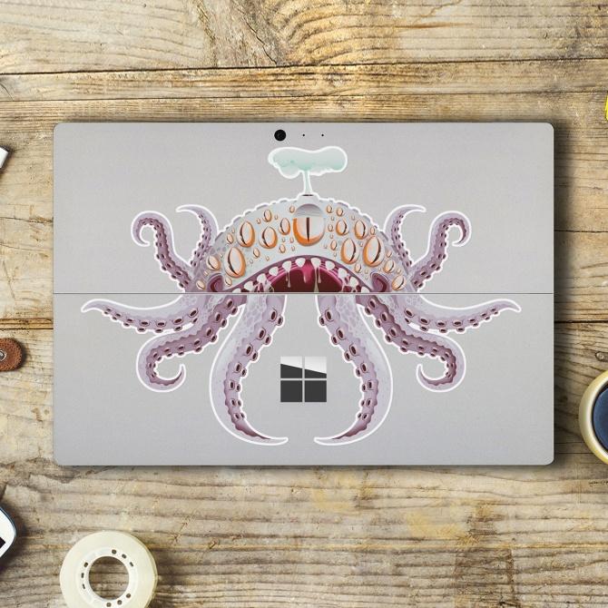 En dan hebben ze dus ook nog originele stickers om je laptop mee te 'merken'. Iets voor je tiener met Sinterklaas?